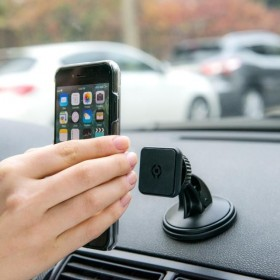 Celly Universal car holder for mobile phones, smartphones
